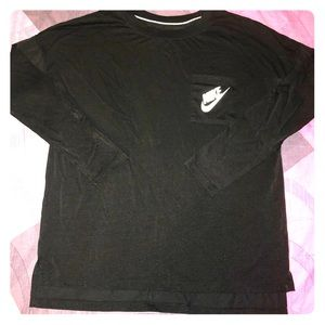 Women's Long Sleeve Nike Tee Shirt Size Medium